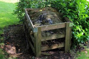 Make compost bin home